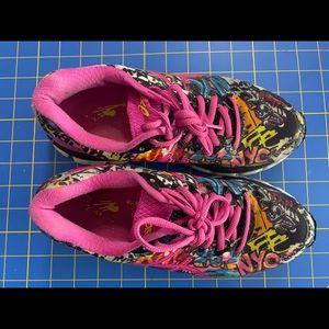 ASICS graffiti shoes size 6